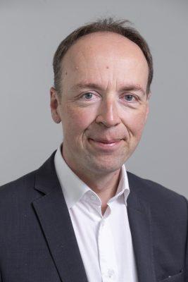 Rintakuva Perussuomalaisten puheenjohtajasta Jussi Halla-ahosta.