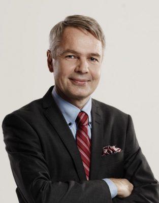Rintakuva Pekka Haavistosta