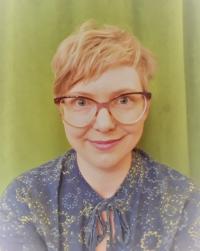 Rintakuvassa Sofia Lindqvist