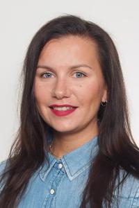 Kuvassa Niina Salo-Lehtinen