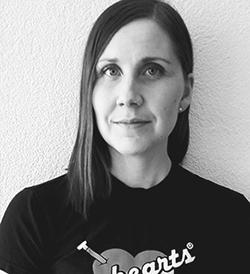 Mustavalkoisessa rintakuvassa Erika Turunen.